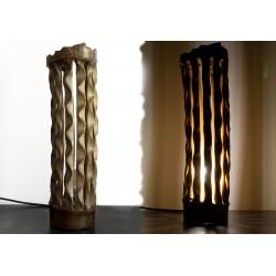 Lampe design sculpté dans du bambou flotté / Pièce unique