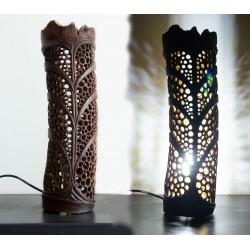 Lampe unique et originale sculptée dans du bambou flotté / Artisanat d'art