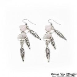 Boucles d'oreilles pendantes en quartz rose et breloques plume - Bijoux zen Réunion