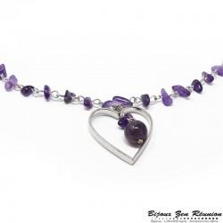 Sautoir en copeaux d'améthyste avec pendentif coeur
