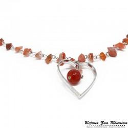 Sautoir en copeaux de cornaline avec pendentif coeur