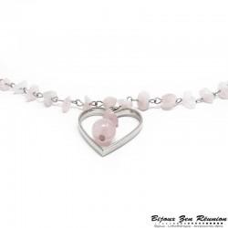 Sautoir en copeaux de quartz rose avec pendentif coeur